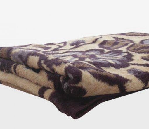 Muhtelif renk ve kalitelerde istenilen ebatlarda üretilebilen battaniyeler.