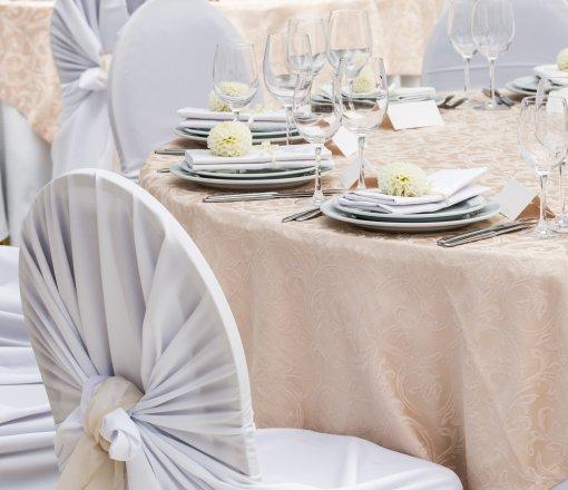 %100 Cotton jakar logolu masa örtüleri.<br /> %50 Cotton %50 Polyester 30/2 Harmandan karışık masa örtüleri.